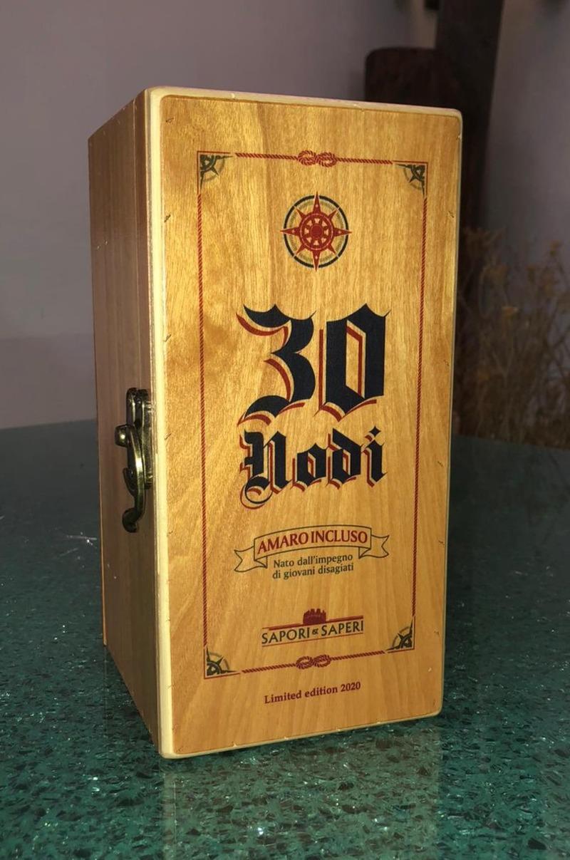 italian-spirit-amaro-30-nodi-wooden-box-50cl-bottle